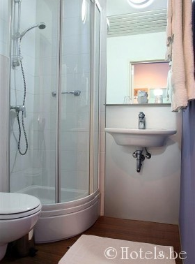 alfainnhotel_-badkamer