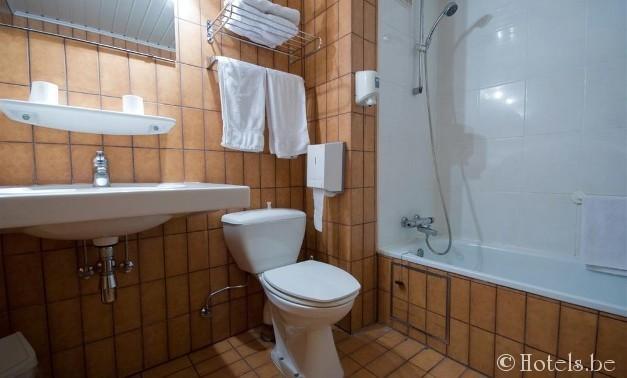 alpha-hotel-badkamer1