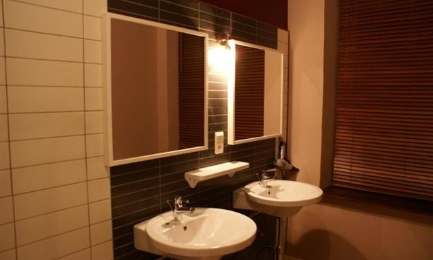 bathroom1bv