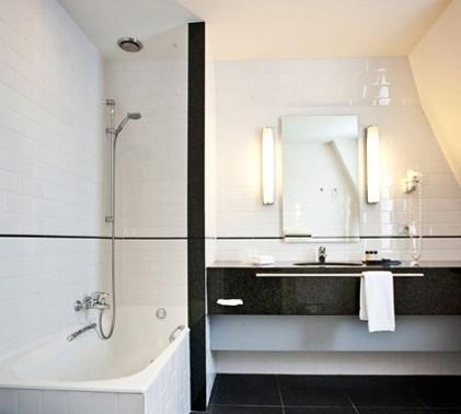 bathroom1hn1