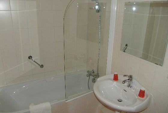 bathroom1lev