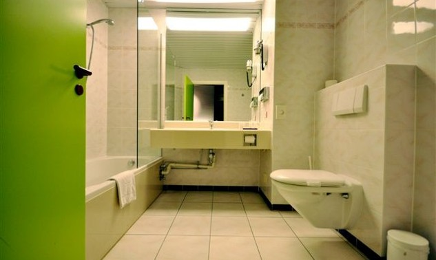 bathroom1te