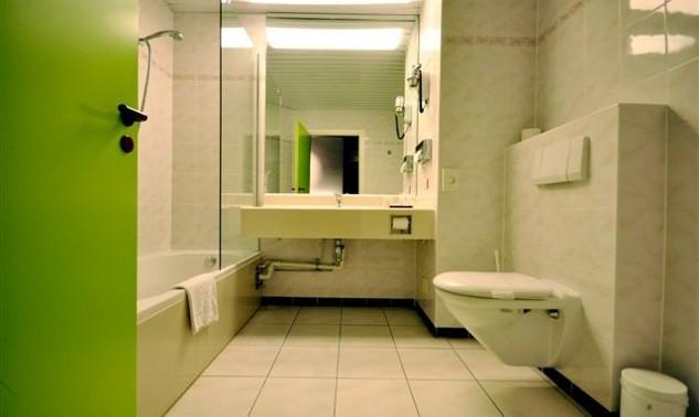 bathroom1te