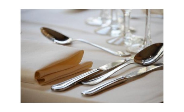 detail-bestek-op-tafel_lr