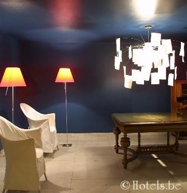 lobby-bleu2