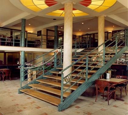 lobby1m