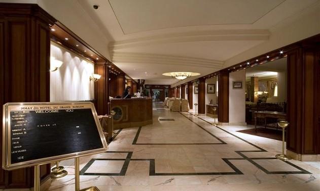 lobby32