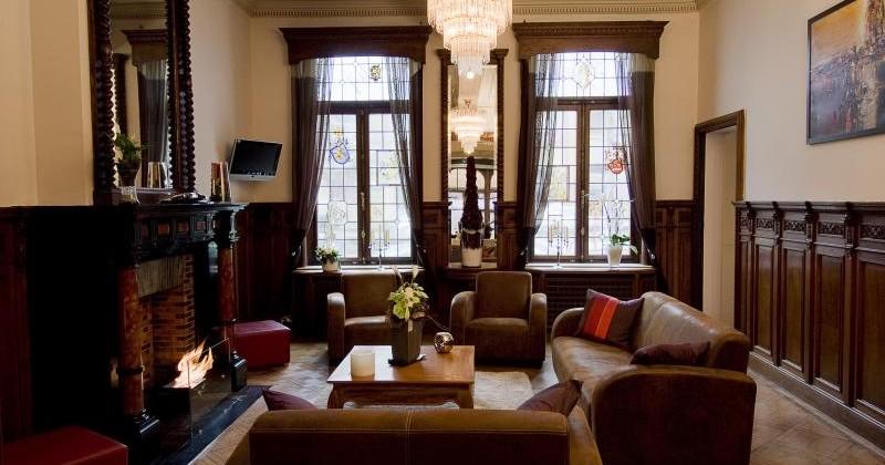 ast lounge